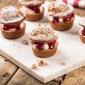 Banaanmuffin met Griekse yoghurt en Hero Vier-Vruchten Jam